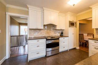 Photo 9: 2040 BLANTYRE Avenue in Coquitlam: Central Coquitlam House for sale : MLS®# R2320271