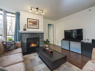"Photo 3: 506 867 HAMILTON Street in Vancouver: Downtown VW Condo for sale in ""JARDINE'S LOOKOUT"" (Vancouver West)  : MLS®# R2324358"