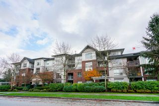 "Main Photo: 202 15188 22 Avenue in Surrey: Sunnyside Park Surrey Condo for sale in ""Muirfield Gardens"" (South Surrey White Rock)  : MLS®# R2325015"