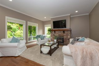 """Photo 4: 2061 139 Street in Surrey: Elgin Chantrell House for sale in """"Chantrell Park Esates"""" (South Surrey White Rock)  : MLS®# R2330365"""