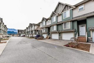 "Photo 2: 54 6498 SOUTHDOWNE Place in Sardis: Sardis East Vedder Rd Townhouse for sale in ""VILLAGE GREEN"" : MLS®# R2340910"