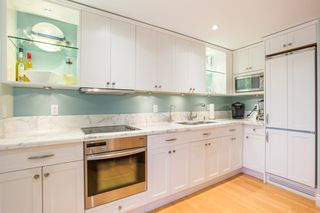 "Photo 5: 103 1311 BEACH Avenue in Vancouver: West End VW Condo for sale in ""Tudor Manor"" (Vancouver West)  : MLS®# R2341226"