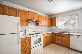 Photo 4: 5340 SPRUCE Street in Burnaby: Deer Lake Place House for sale (Burnaby South)  : MLS®# R2349190