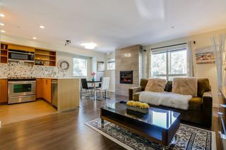 Photo 3: 2525 WOODLAND Drive in Vancouver: Grandview Woodland Townhouse for sale (Vancouver East)  : MLS®# R2355354