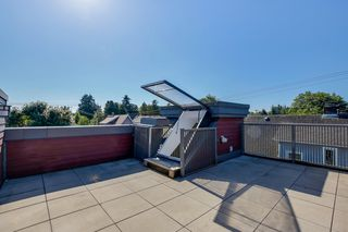 Photo 19: 2525 WOODLAND Drive in Vancouver: Grandview Woodland Townhouse for sale (Vancouver East)  : MLS®# R2355354