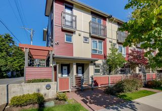Photo 2: 2525 WOODLAND Drive in Vancouver: Grandview Woodland Townhouse for sale (Vancouver East)  : MLS®# R2355354