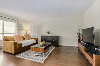 Photo 4: 2525 WOODLAND Drive in Vancouver: Grandview Woodland Townhouse for sale (Vancouver East)  : MLS®# R2355354