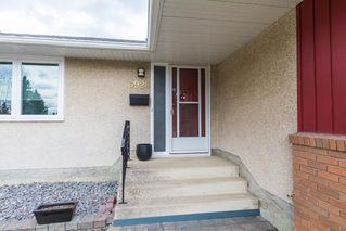 Photo 2: 6920 92A Avenue in Edmonton: Zone 18 House for sale : MLS®# E4151726