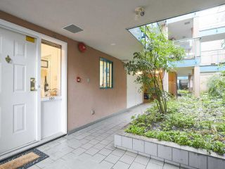 "Main Photo: 101 988 W 16TH Avenue in Vancouver: Cambie Condo for sale in ""THE OAKS"" (Vancouver West)  : MLS®# R2362256"