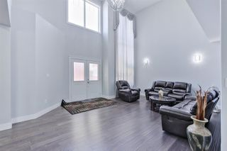 Photo 2: 2639 17 Avenue in Edmonton: Zone 30 House for sale : MLS®# E4153759
