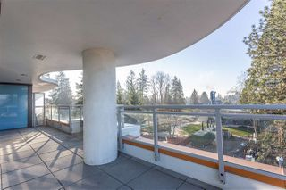 "Photo 1: 401 13303 CENTRAL Avenue in Surrey: Whalley Condo for sale in ""THE WAVE"" (North Surrey)  : MLS®# R2362951"