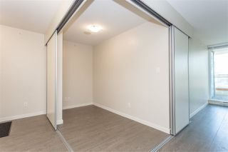 "Photo 7: 401 13303 CENTRAL Avenue in Surrey: Whalley Condo for sale in ""THE WAVE"" (North Surrey)  : MLS®# R2362951"