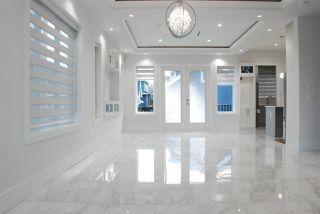Photo 5: 5874 BATTISON Street in Vancouver: Killarney VE House for sale (Vancouver East)  : MLS®# R2370565