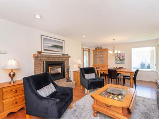 Photo 12: 547 Parkway Pl in COBBLE HILL: ML Cobble Hill House for sale (Malahat & Area)  : MLS®# 814751