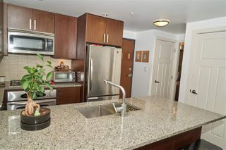 "Photo 2: 704 2978 GLEN Drive in Coquitlam: North Coquitlam Condo for sale in ""Grand Central One"" : MLS®# R2379022"