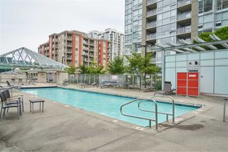 "Photo 15: 704 2978 GLEN Drive in Coquitlam: North Coquitlam Condo for sale in ""Grand Central One"" : MLS®# R2379022"