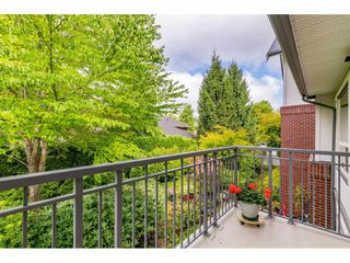 "Photo 11: 207 15188 22 Avenue in Surrey: Sunnyside Park Surrey Condo for sale in ""Muirfield Gardens"" (South Surrey White Rock)  : MLS®# R2397810"