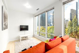 Photo 3: 306 989 NELSON Street in Vancouver: Downtown VW Condo for sale (Vancouver West)  : MLS®# R2406226