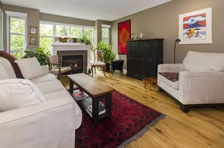 """Photo 1: 301 8728 SW MARINE Drive in Vancouver: Marpole Condo for sale in """"RIVERVIEW COURT"""" (Vancouver West)  : MLS®# R2424013"""