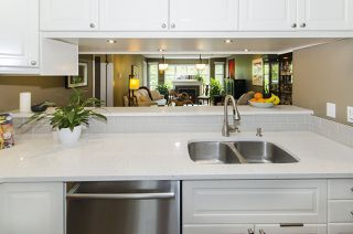 """Photo 5: 301 8728 SW MARINE Drive in Vancouver: Marpole Condo for sale in """"RIVERVIEW COURT"""" (Vancouver West)  : MLS®# R2424013"""