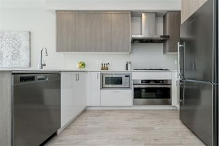 "Photo 10: 303 6283 KINGSWAY in Burnaby: Highgate Condo for sale in ""PIXEL"" (Burnaby South)  : MLS®# R2443381"