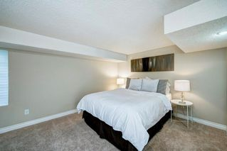 Photo 34: 176 STRATHCONA Road SW in Calgary: Strathcona Park Detached for sale : MLS®# C4301215