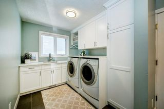 Photo 17: 176 STRATHCONA Road SW in Calgary: Strathcona Park Detached for sale : MLS®# C4301215