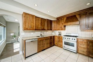 Photo 8: 176 STRATHCONA Road SW in Calgary: Strathcona Park Detached for sale : MLS®# C4301215