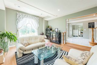 Photo 4: 14991 81B Avenue in Surrey: Bear Creek Green Timbers House for sale : MLS®# R2468154