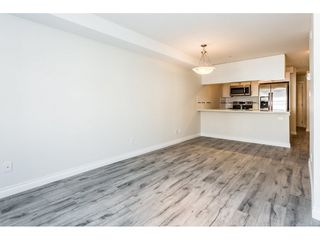 """Photo 5: 315 5650 201A Street in Langley: Langley City Condo for sale in """"PADDINGTON STATION"""" : MLS®# R2509283"""