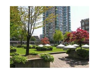 "Photo 9: 408 1238 RICHARDS Street in Vancouver: Downtown VW Condo for sale in ""METROPOLIS - TOWER OF SWEETNESS"" (Vancouver West)  : MLS®# V878893"