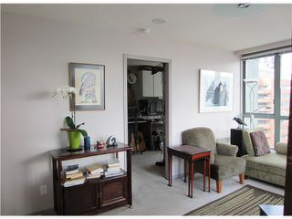 "Photo 4: # 1807 1188 HOWE ST in Vancouver: Downtown VW Condo for sale in ""1188 HOWE"" (Vancouver West)  : MLS®# V937383"