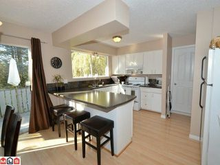 Photo 2: 32426 MCRAE Avenue in Mission: Mission BC House for sale : MLS®# F1223442