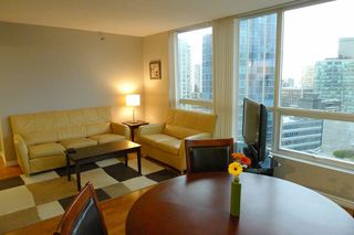 """Photo 4: 1703 588 BROUGHTON Street in Vancouver: Coal Harbour Condo for sale in """"HARBOURSIDE PARK"""" (Vancouver West)  : MLS®# V1035862"""