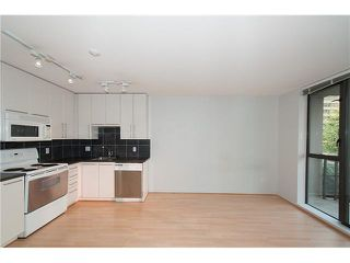 "Photo 13: 303 828 CARDERO Street in Vancouver: West End VW Condo for sale in ""FUSION"" (Vancouver West)  : MLS®# V1094892"
