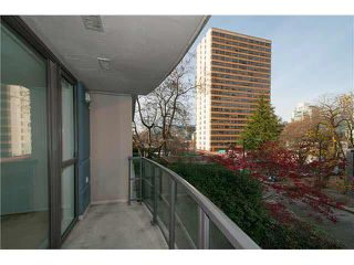 "Photo 9: 303 828 CARDERO Street in Vancouver: West End VW Condo for sale in ""FUSION"" (Vancouver West)  : MLS®# V1094892"