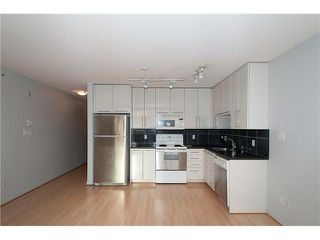 "Photo 15: 303 828 CARDERO Street in Vancouver: West End VW Condo for sale in ""FUSION"" (Vancouver West)  : MLS®# V1094892"