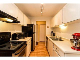 "Photo 3: 301 809 W 16TH Street in North Vancouver: Hamilton Condo for sale in ""PANORAMA COURT"" : MLS®# V1120495"