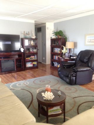 Photo 2: OCEANSIDE Manufactured Home for sale : 2 bedrooms : 221 N El Camino Real #11