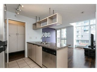 "Photo 3: 605 1082 SEYMOUR Street in Vancouver: Downtown VW Condo for sale in ""FREESIA"" (Vancouver West)  : MLS®# V1140454"