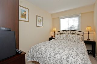 Photo 25: 15322 ROYAL Avenue: White Rock House for sale (South Surrey White Rock)  : MLS®# F1450836