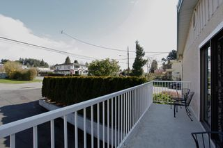 Photo 12: 15322 ROYAL Avenue: White Rock House for sale (South Surrey White Rock)  : MLS®# F1450836