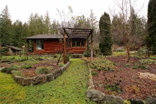 Photo 9: 917 JOE RD Road: Roberts Creek House for sale (Sunshine Coast)  : MLS®# R2025608