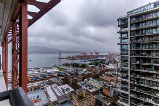 "Photo 15: 2805 128 W CORDOVA Street in Vancouver: Downtown VW Condo for sale in ""WOODWARDS"" (Vancouver West)  : MLS®# R2042542"