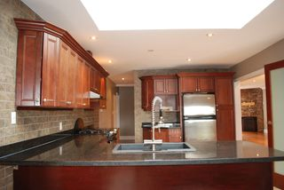 Photo 13: 2949 FLEMING Avenue in Coquitlam: Meadow Brook House for sale : MLS®# R2049595