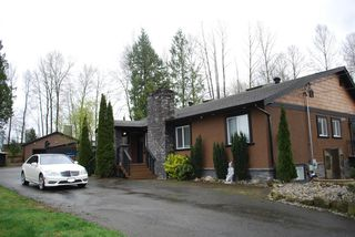 Photo 3: 2949 FLEMING Avenue in Coquitlam: Meadow Brook House for sale : MLS®# R2049595