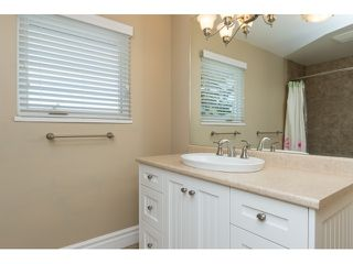 "Photo 17: 15552 VISTA Drive: White Rock House for sale in ""VISTA HILLS"" (South Surrey White Rock)  : MLS®# R2062767"