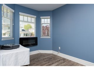 "Photo 12: 15552 VISTA Drive: White Rock House for sale in ""VISTA HILLS"" (South Surrey White Rock)  : MLS®# R2062767"