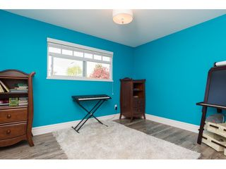 "Photo 15: 15552 VISTA Drive: White Rock House for sale in ""VISTA HILLS"" (South Surrey White Rock)  : MLS®# R2062767"
