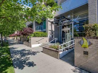 "Photo 2: 708 188 E ESPLANADE in North Vancouver: Lower Lonsdale Condo for sale in ""Esplanade at the PIER"" : MLS®# R2067260"